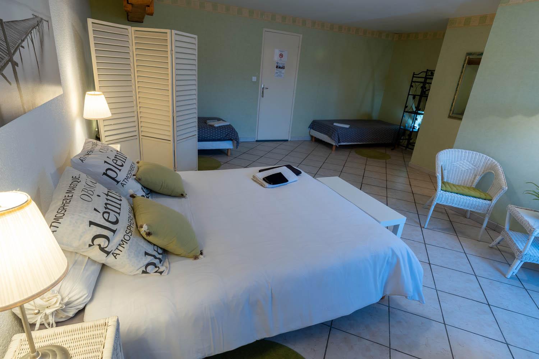 La chambre L'Estuaire à la closerie du chêne bleu Location de chambres d'hôtes près de bordeaux